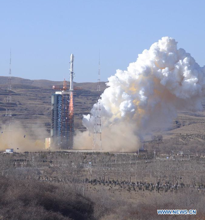 A Long March 4B rocket lifts off with the CBERS 4 Earth observation satellite. Credit: Xinhua