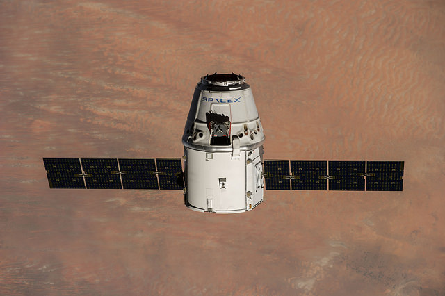 A previous Dragon spacecraft approaches the International Space Station in September 2014. Credit: SpaceX