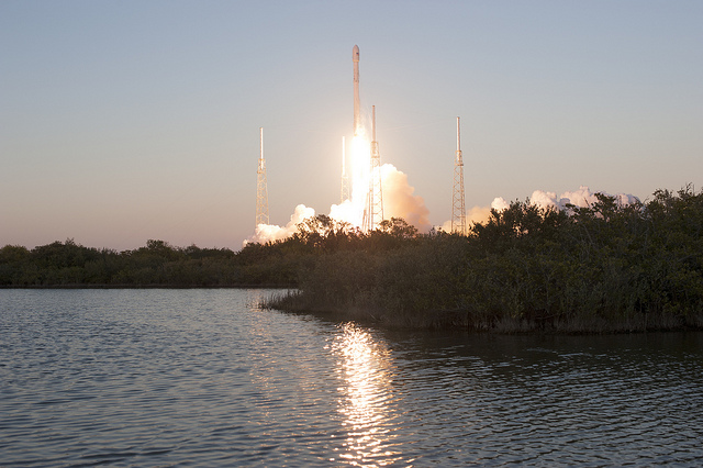 A Falcon 9 rocket launches Feb. 11 with NOAA's Deep Space Climate Observatory. Credit: NASA/Tony Gray
