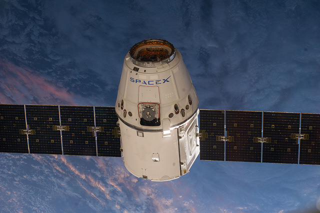 File photo of a SpaceX Dragon cargo capsule approaching the International Space Station. Credit: NASA