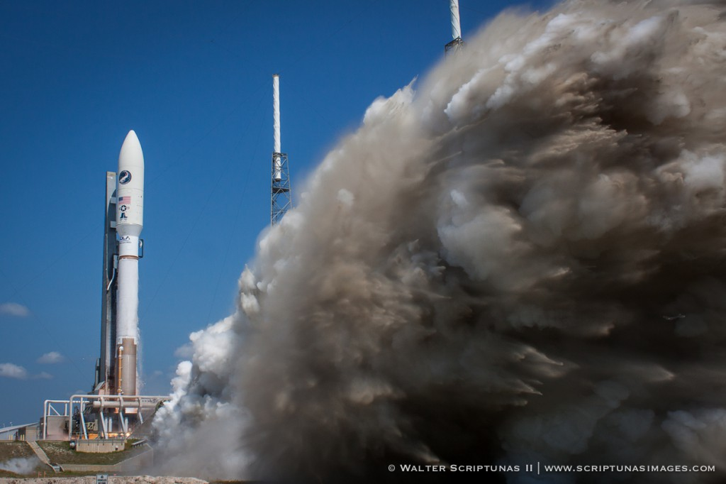 A United Launch Alliance Atlas 5 rocket blasts off from Cape Canaveral's Complex 41 launch pad on May 20, 2015, with the U.S. Air Force's X-37B space plane. Credit: Walter Scriptunas II / Scriptunas Images