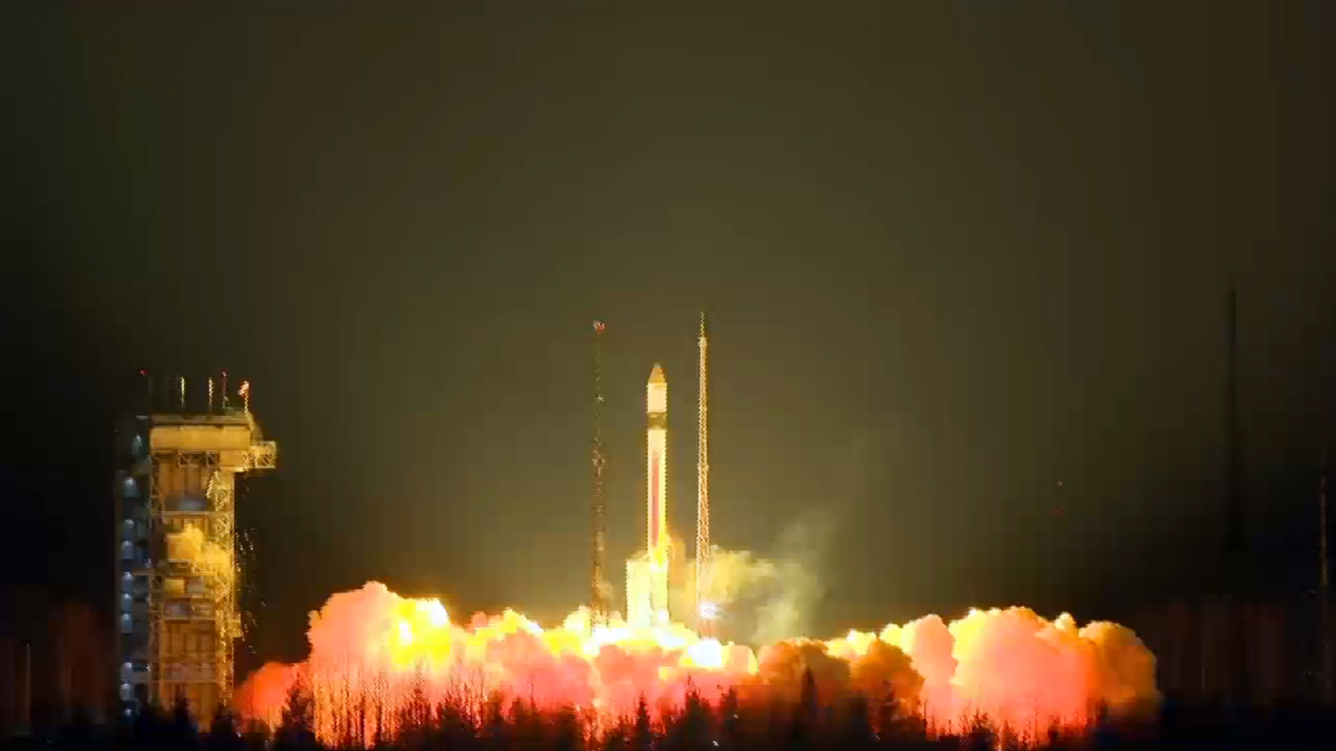 The Sentinel 3A satellite lifted off at 1757:40 GMT (12:57:40 p.m. EST). Credit: ESA