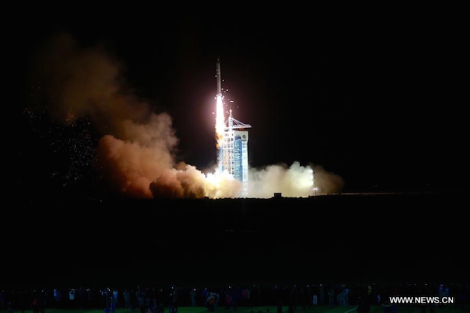 The Shijian 10 recoverable satellite lifted off at 1:38 a.m. Beijing time Wednesday. Credit: Xinhua