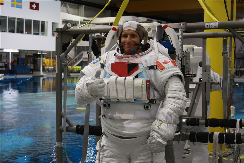 Canadian astronaut David Saint-Jacques undergoes spacewalk training at NASA's Johnson Space Center in Houston. Credit: CSA