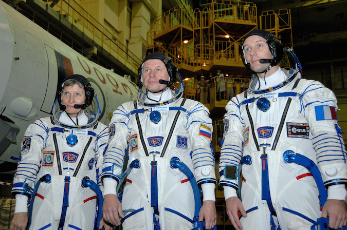 NASA astronaut Peggy Whitson, Russian cosmonaut Oleg Novitskiy and European Space Agency astronaut Thomas Pesquet during a fit check rehearsal with their Soyuz MS-03 spacecraft. Credit: NASA/Alexander Vysotsky