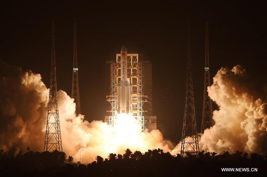 The Long March 5 rocket takes off at 1243 GMT (8:43 a.m. EDT) on Thursday. Credit: Xinhua