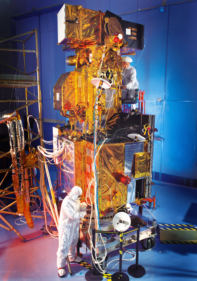 Landsat 7, pictured here before its launch in April 1999, was not designed to be approached or refueled in orbit. Lockheed Martin built Landsat 7 for the U.S. Geological Survey and NASA. Credit: Lockheed Martin photo by Russ Underwood